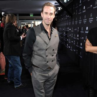 Joseph Fiennes defends Michael Jackson portrayal