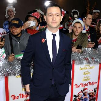 Joseph Gordon-Levitt offers support to sudents