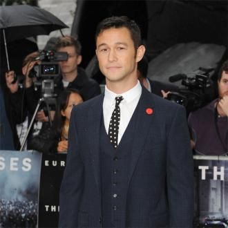 Joseph Gordon-levitt: Lincoln Set Revolved Around Day-lewis