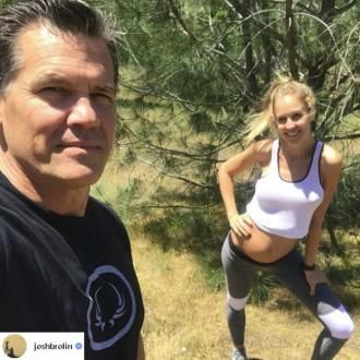 Josh Brolin to be a dad again