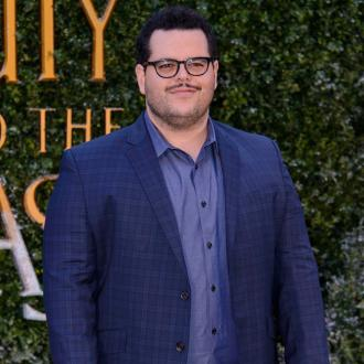 Josh Gad stole wedding ring from film set