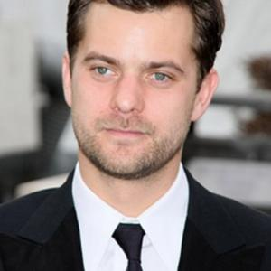 Joshua Jackson Puts Love First