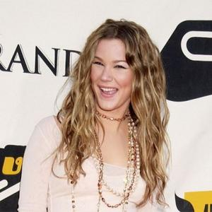 Joss Stone Tells Gaga To Ease Up On Fashion