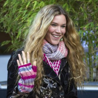 The 30-year old daughter of father Richard Stoker and mother Wendy Stoker, 178 cm tall Joss Stone in 2017 photo