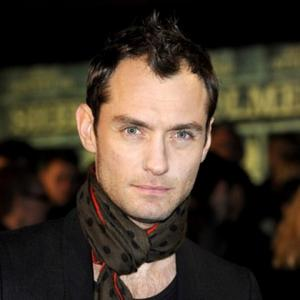Jude Law Ready To Propose?