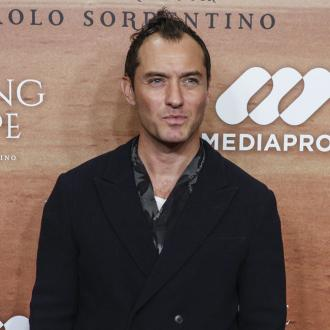 Jude Law 'loves starving' himself