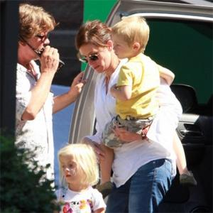 Julia Roberts Emotional Over Pregnancy