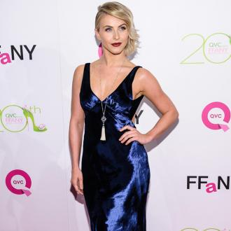 Julianne Hough Apologises For Costume