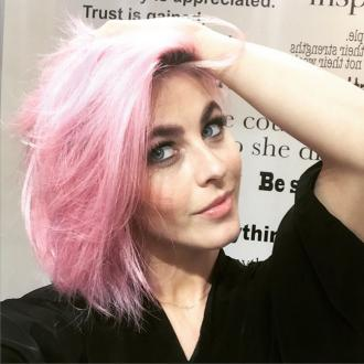 Julianne Hough dyes hair 'unicorn' pink
