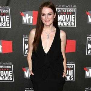 Julianne Moore Hates 50s Clothes