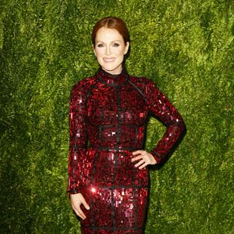 Julianne Moore's Daughter Prefers Her Air-brushed
