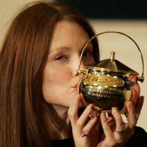 Julianne Moore Receives Hasty Pudding Award