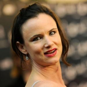 Juliette Lewis Injured In Car Crash