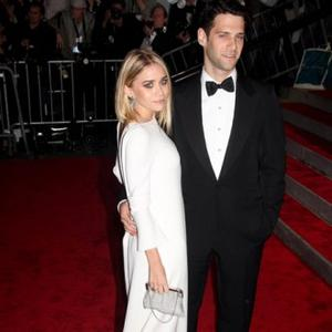Justin Bartha Confirms Ashley Split