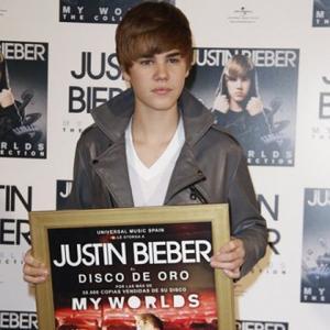 Justin Bieber Hates British Weather