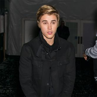 Justin Bieber congratulates Cruz Beckham on cover of Home to Mama