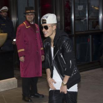 Justin Bieber Cuddles Selena Gomez