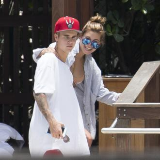 Justin Bieber and Hailey Baldwin kiss in New York