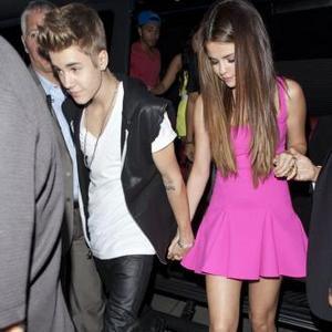 Justin Bieber Likes Selena To Listen