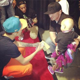 Justin Bieber Meets Cancer Stricken Fan