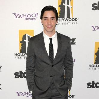 Justin Long thinks he has coronavirus