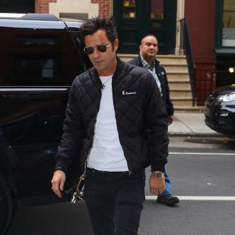 Justin Theroux's Globes dash home