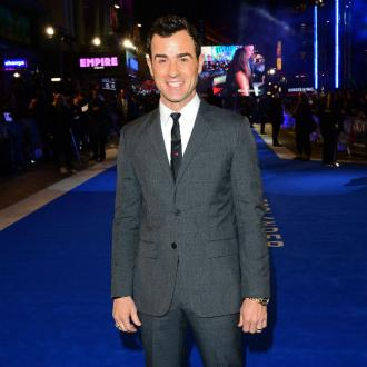 Justin Theroux 'hitting the gym hard'
