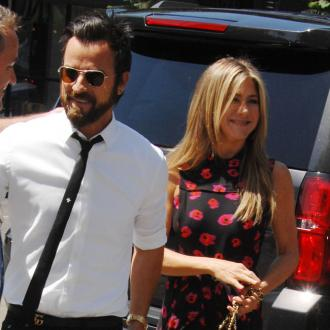Justin Theroux celebrates Friendsgiving with Jennifer Aniston
