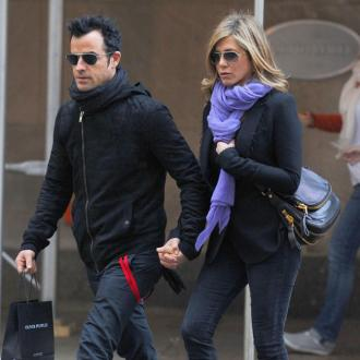 Jennifer Aniston Says Justin Theroux Is 'So Beautiful'
