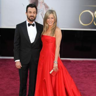 Justin Theroux Loves Scaring Jennifer Aniston