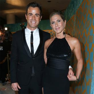 Jennifer Aniston and Justin Theroux head off on honeymoon