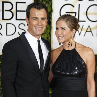 Jennifer Aniston And Justin Theroux Banned Phones