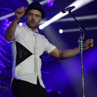 Justin Timberlake Hangs 'Upside Down' Before Gigs