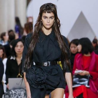 Kaia Gerber wears Marc Jacobs perfume everyday in lockdown