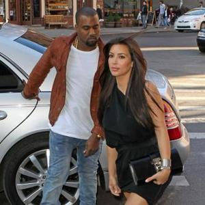 Kanye West Overwhelmed By Kardashian Family