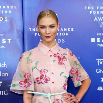 Karlie Kloss laughs off pregnancy rumours