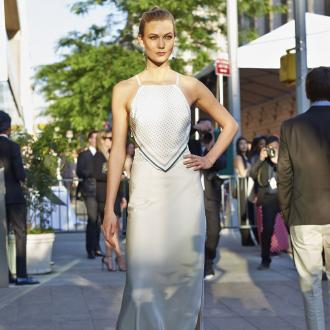 Karlie Kloss Unveiled As L'oreal Spokesmodel