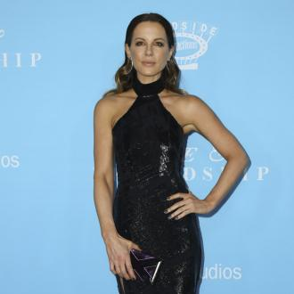 Kate Beckinsale marks anniversary of father's death