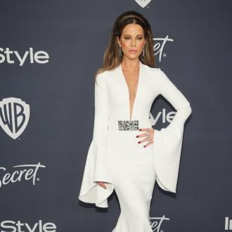 Kate Beckinsale blasts troll who slams her for 'hanging out' with Machine Gun Kelly