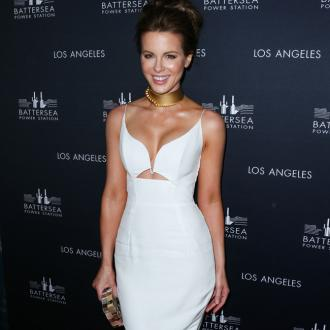 Kate Beckinsale: Society Needs Journalists