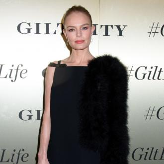 Kate Bosworth 'unplugs' to relax