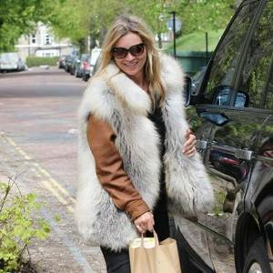 Kate Moss Changes Style For Dog