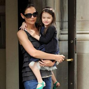 Katie Holmes Doesn't Feel Baby Pressure