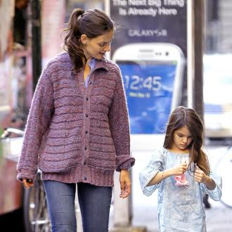Katie Holmes Enjoys Birthday At Bakery
