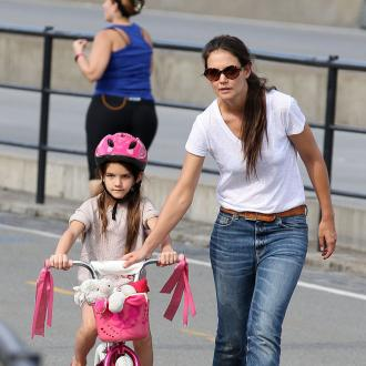 Katie Holmes Spends 30k On Christmas Gifts For Suri