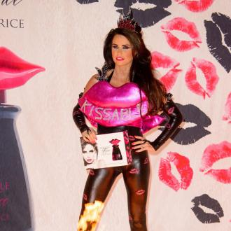 Katie Price To 'Test' Friends' Loyalty At Christmas