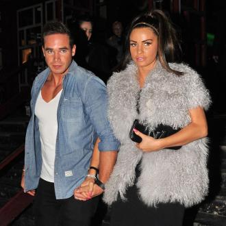 Pregnant Katie Price Eating Ice