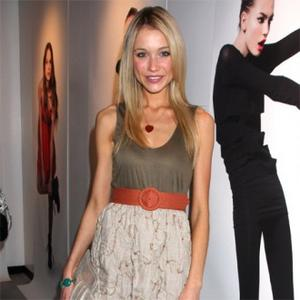 Katrina Bowden Announces Engagement
