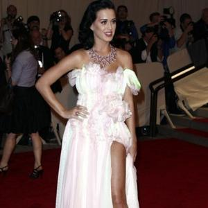 Katy Perry Wants 'Small' Romantic Wedding