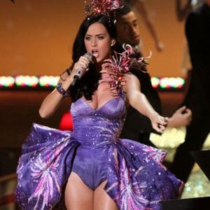 Katy Perry Still Nervous In Front Of Large Crowds